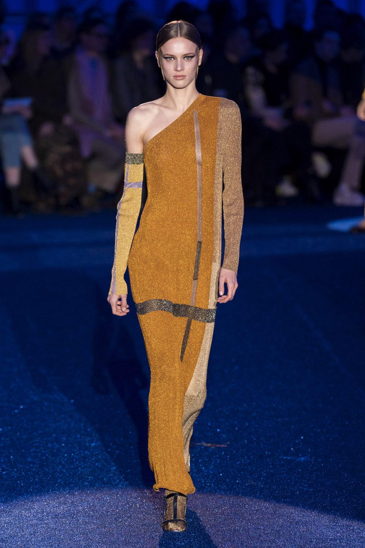 Missoni时装系列图形拼色也有助于丰富最小的无袖或单肩束腰外衣-41.jpg
