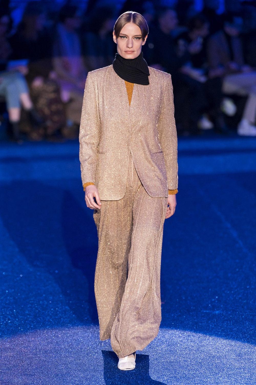 Missoni时装系列图形拼色也有助于丰富最小的无袖或单肩束腰外衣-42.jpg