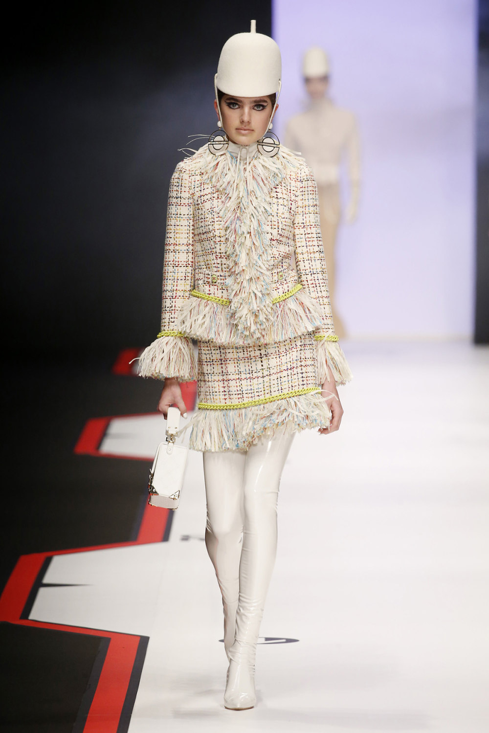 Elisabetta Franchi时装系列简约時尚的蓝色外套衬有印花迷你裙-3.jpg