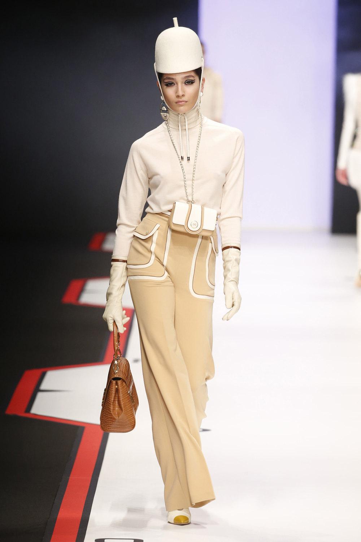 Elisabetta Franchi时装系列简约時尚的蓝色外套衬有印花迷你裙-4.jpg