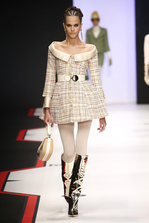 Elisabetta Franchi时装系列简约時尚的蓝色外套衬有印花迷你裙-6.jpg