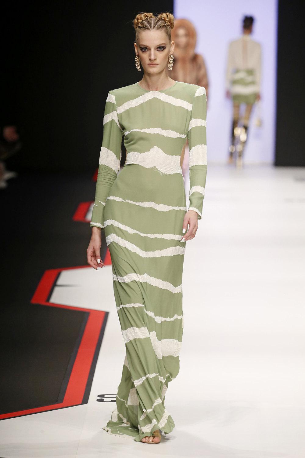 Elisabetta Franchi时装系列简约時尚的蓝色外套衬有印花迷你裙-12.jpg