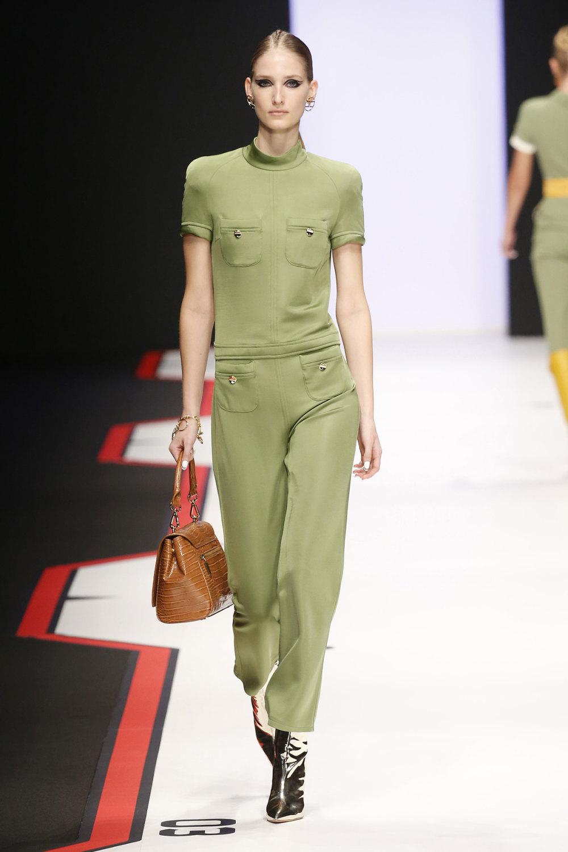 Elisabetta Franchi时装系列简约時尚的蓝色外套衬有印花迷你裙-11.jpg