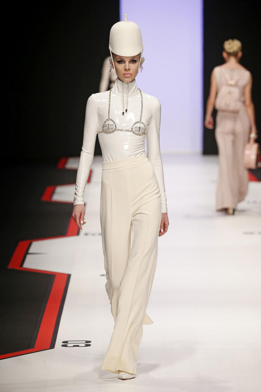Elisabetta Franchi时装系列简约時尚的蓝色外套衬有印花迷你裙-17.jpg