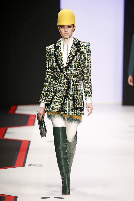 Elisabetta Franchi时装系列简约時尚的蓝色外套衬有印花迷你裙-26.jpg