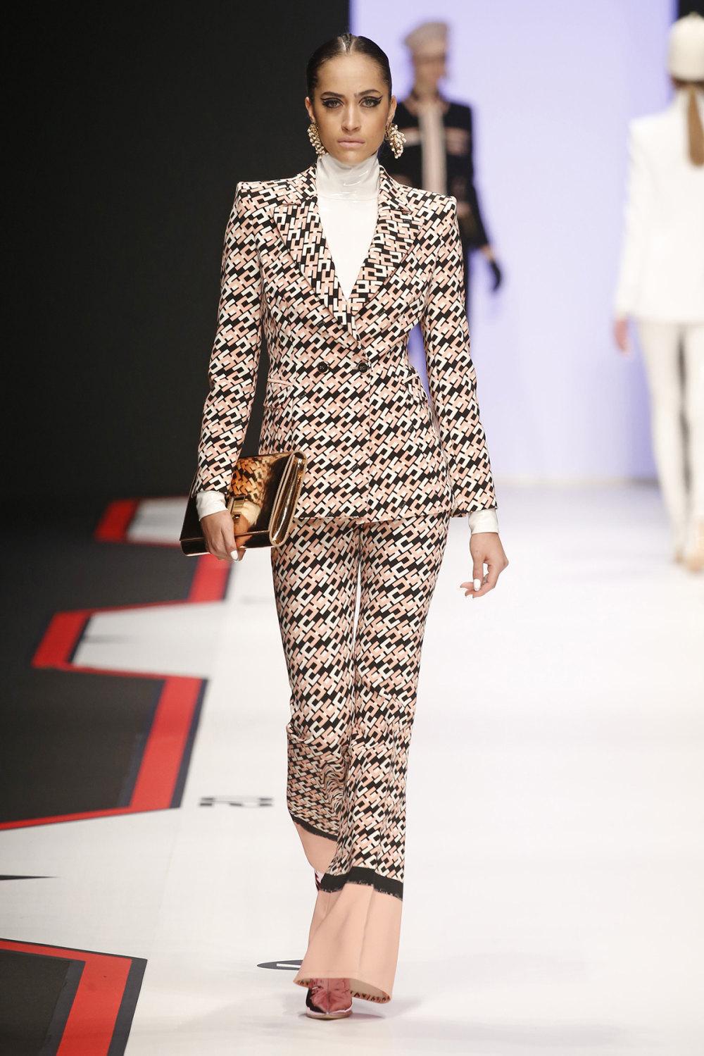 Elisabetta Franchi时装系列简约時尚的蓝色外套衬有印花迷你裙-39.jpg