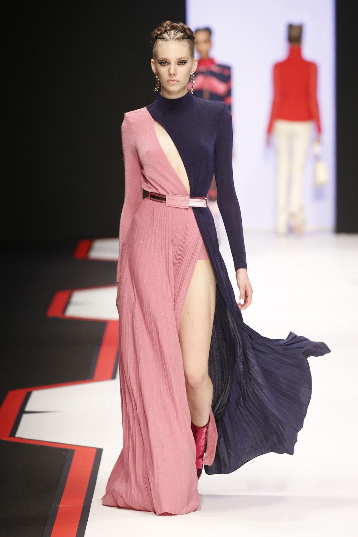 Elisabetta Franchi时装系列简约時尚的蓝色外套衬有印花迷你裙-52.jpg