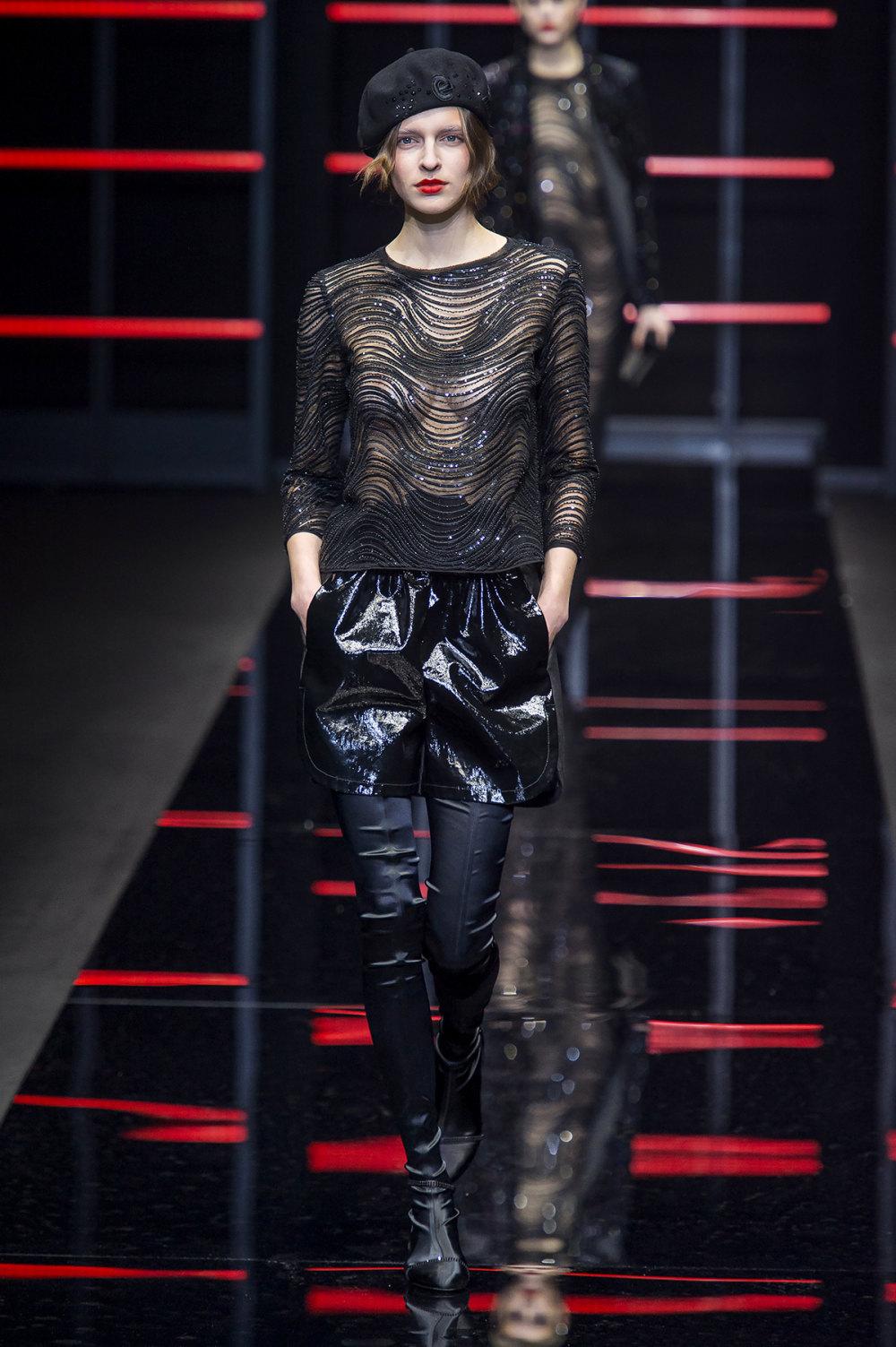 Emporio Armani时装系列畅的裤子带有柔滑裙子的鸡尾酒礼服-49.jpg