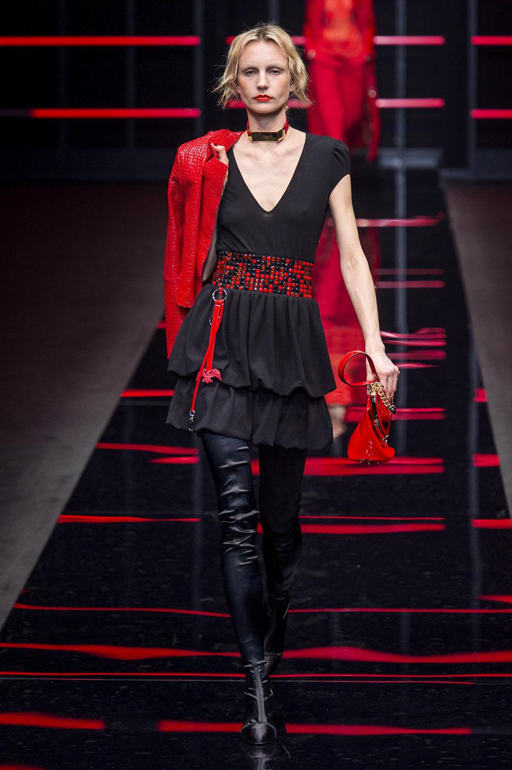 Emporio Armani时装系列畅的裤子带有柔滑裙子的鸡尾酒礼服-52.jpg