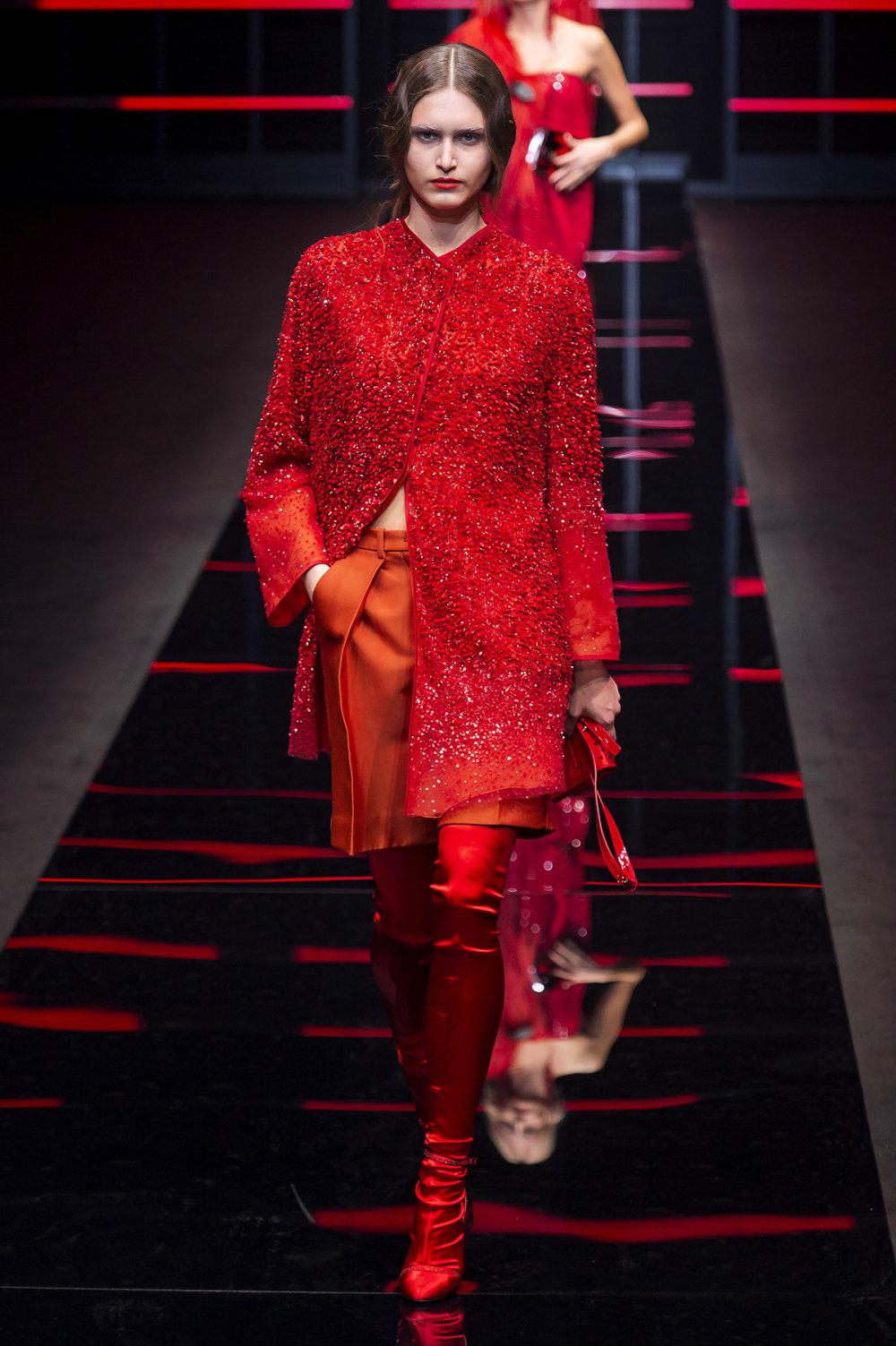 Emporio Armani时装系列畅的裤子带有柔滑裙子的鸡尾酒礼服-65.jpg