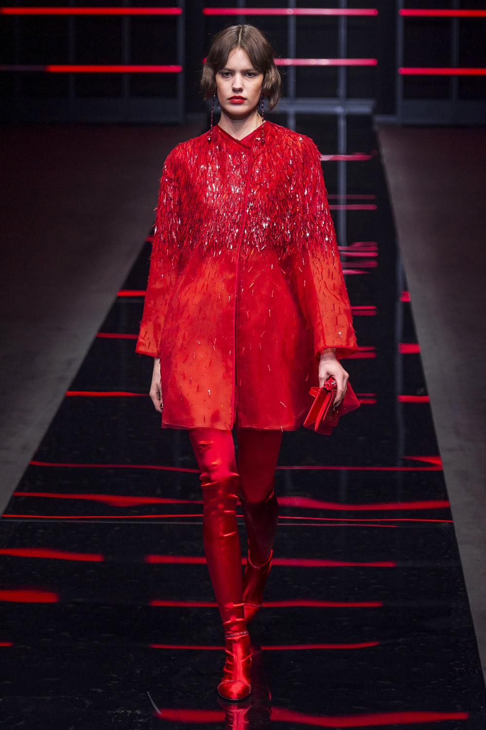 Emporio Armani时装系列畅的裤子带有柔滑裙子的鸡尾酒礼服-71.jpg