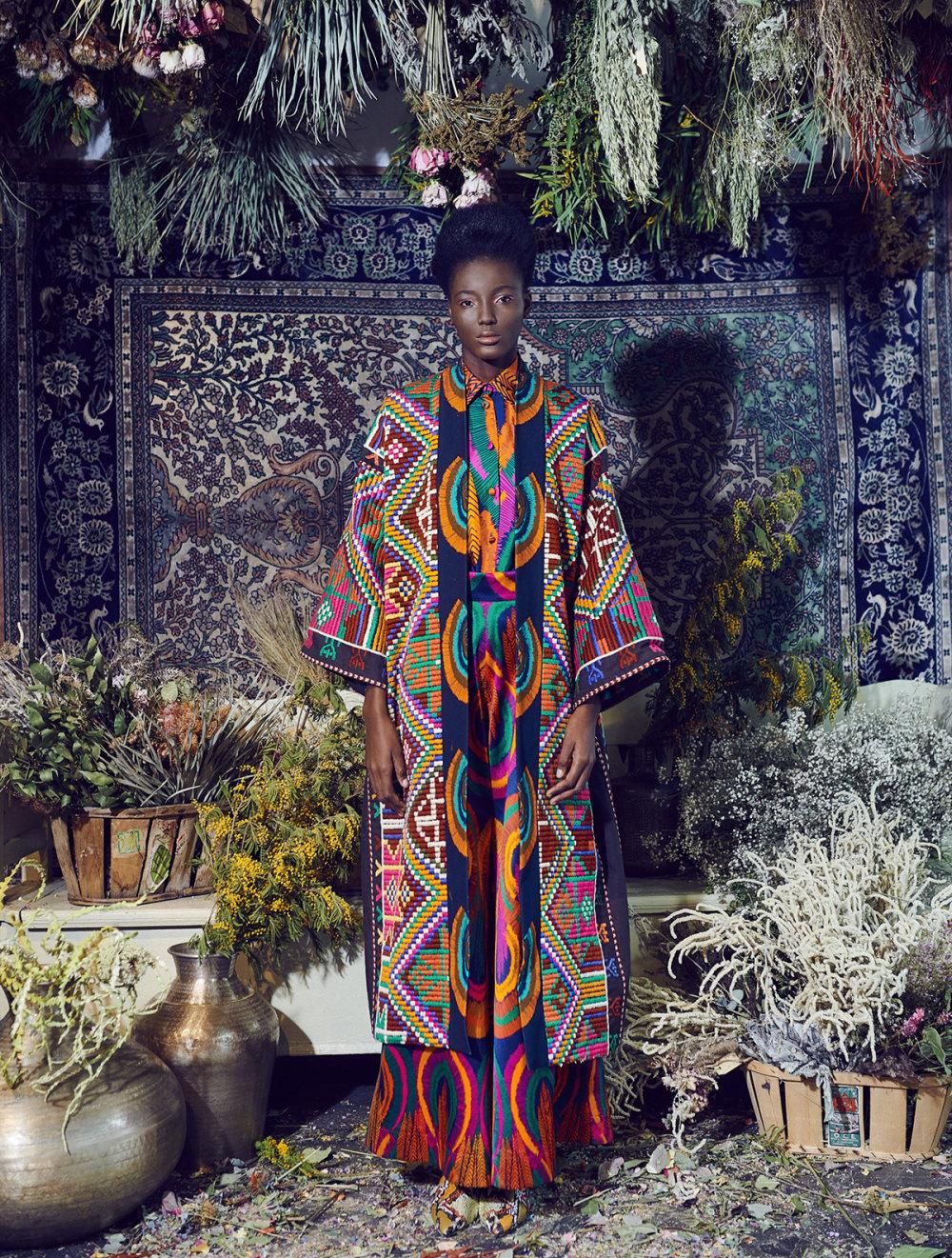 Rianna+Nina时装系列定制的夹克和金属光泽的七分裤定义未来主义-3.jpg