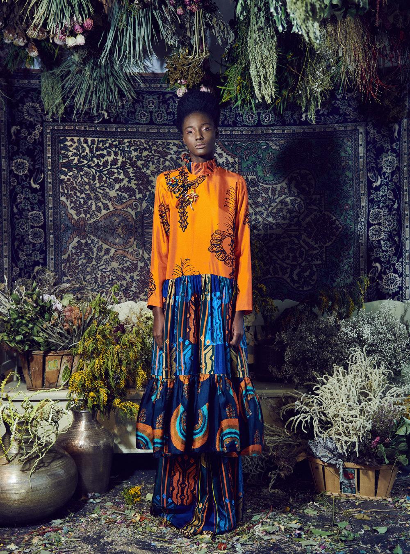 Rianna+Nina时装系列定制的夹克和金属光泽的七分裤定义未来主义-2.jpg