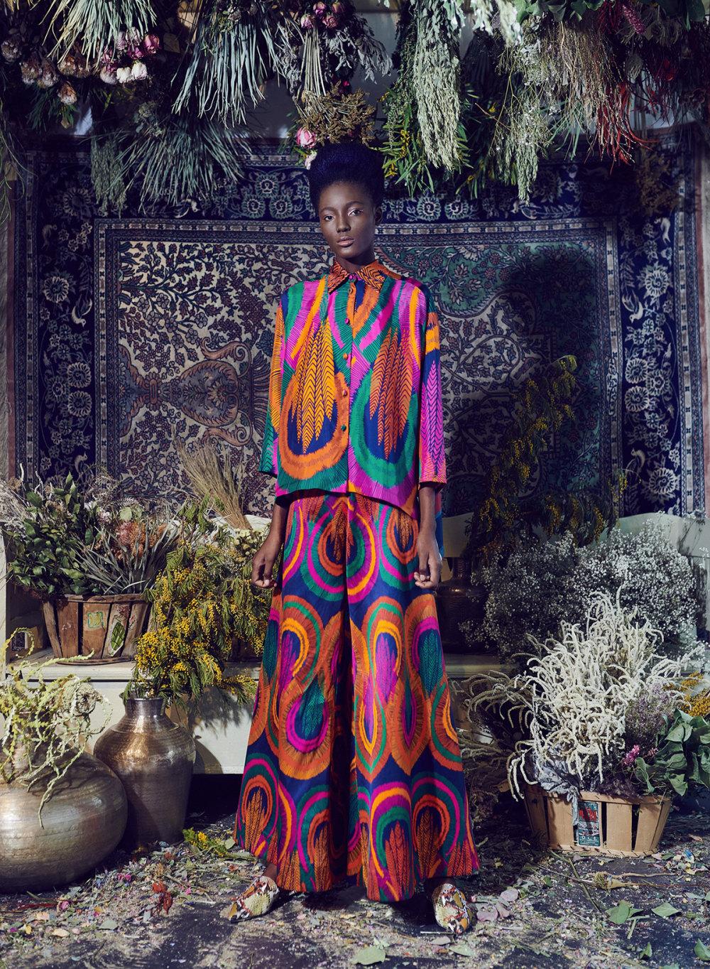 Rianna+Nina时装系列定制的夹克和金属光泽的七分裤定义未来主义-4.jpg