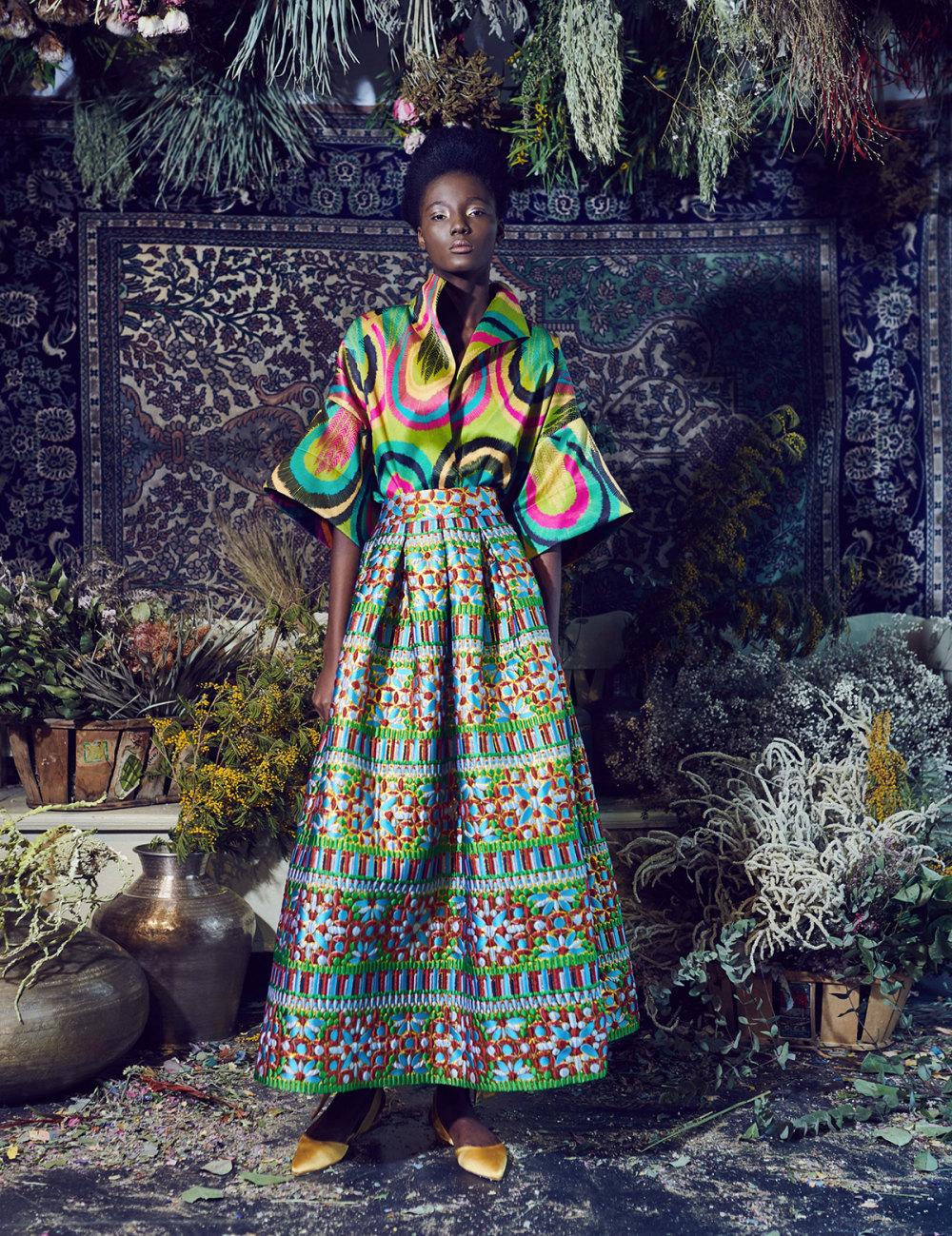 Rianna+Nina时装系列定制的夹克和金属光泽的七分裤定义未来主义-6.jpg