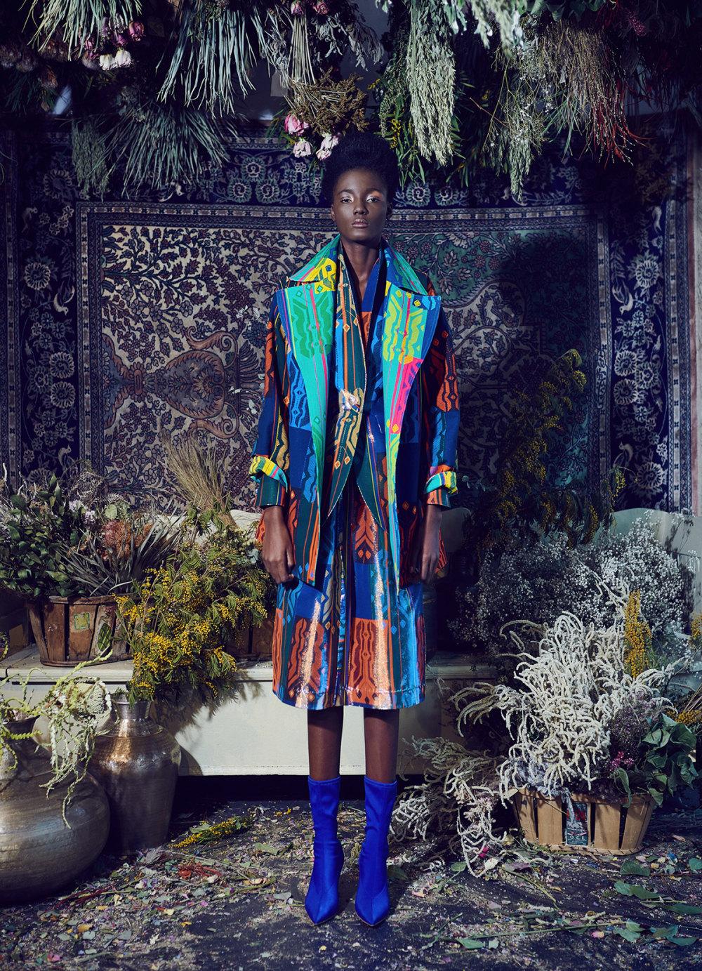 Rianna+Nina时装系列定制的夹克和金属光泽的七分裤定义未来主义-7.jpg