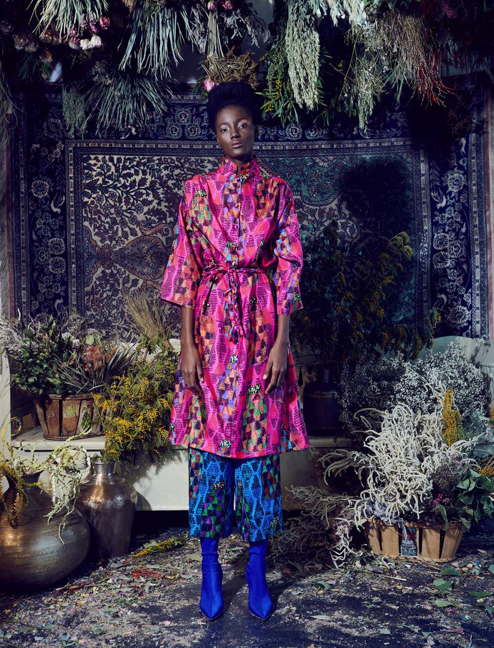 Rianna+Nina时装系列定制的夹克和金属光泽的七分裤定义未来主义-11.jpg