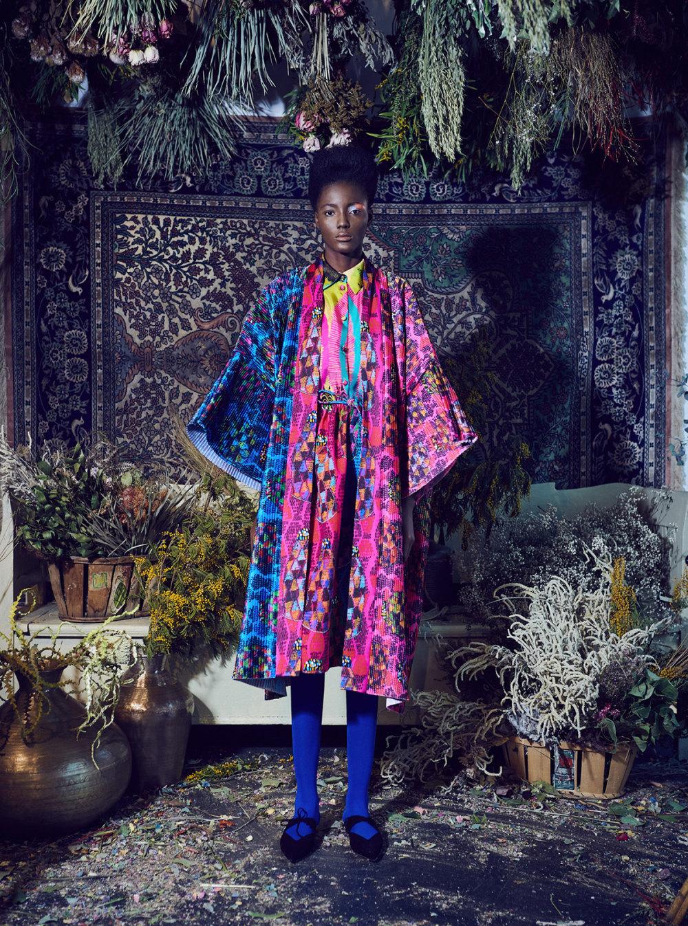 Rianna+Nina时装系列定制的夹克和金属光泽的七分裤定义未来主义-12.jpg