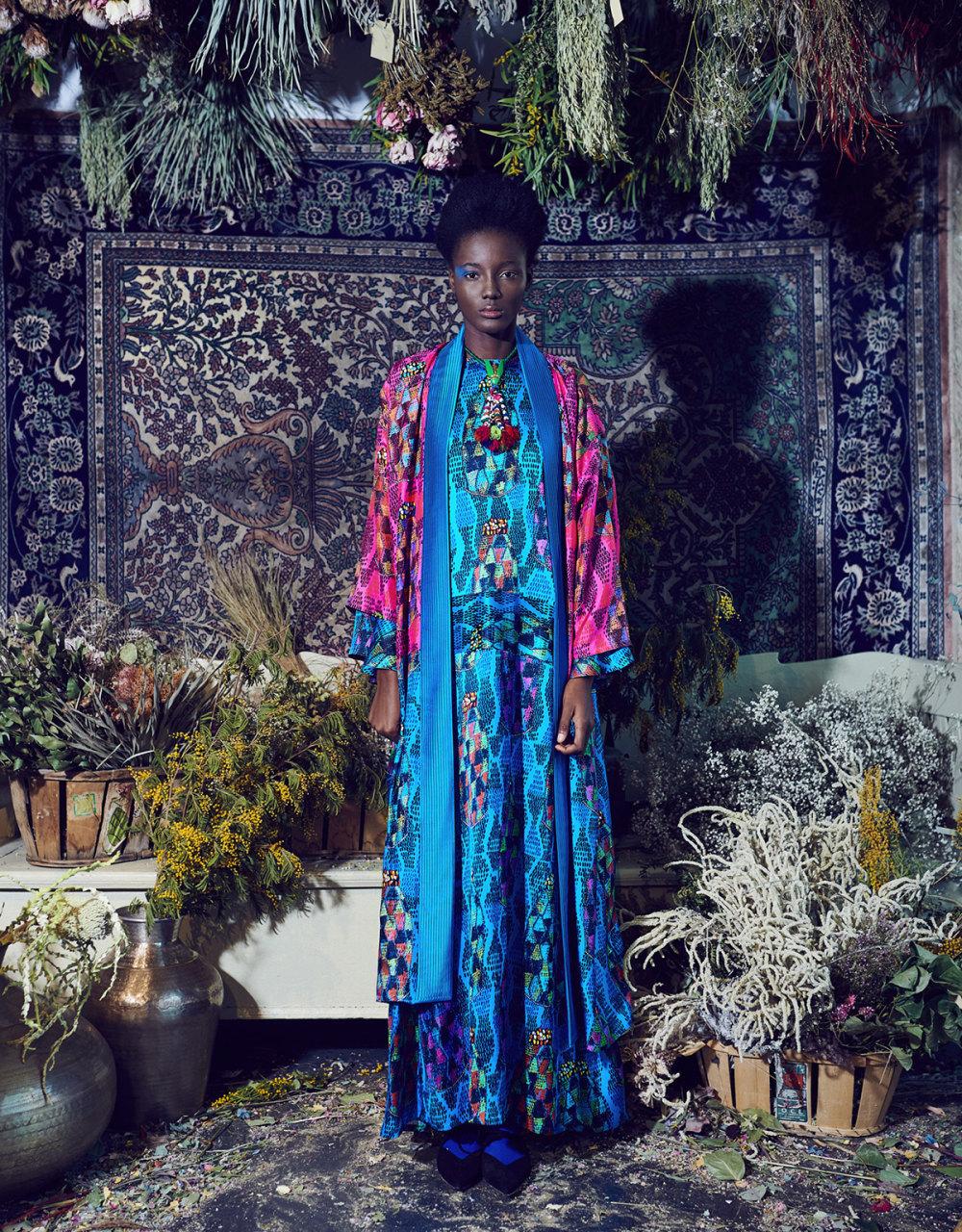Rianna+Nina时装系列定制的夹克和金属光泽的七分裤定义未来主义-14.jpg