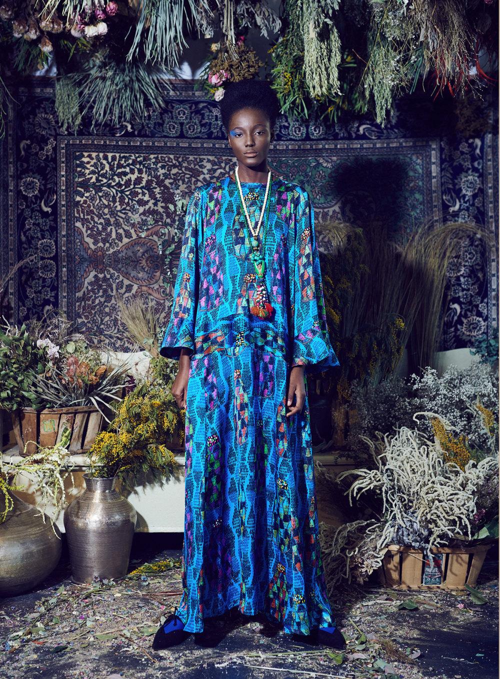 Rianna+Nina时装系列定制的夹克和金属光泽的七分裤定义未来主义-15.jpg