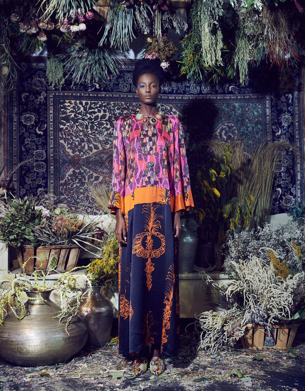 Rianna+Nina时装系列定制的夹克和金属光泽的七分裤定义未来主义-16.jpg