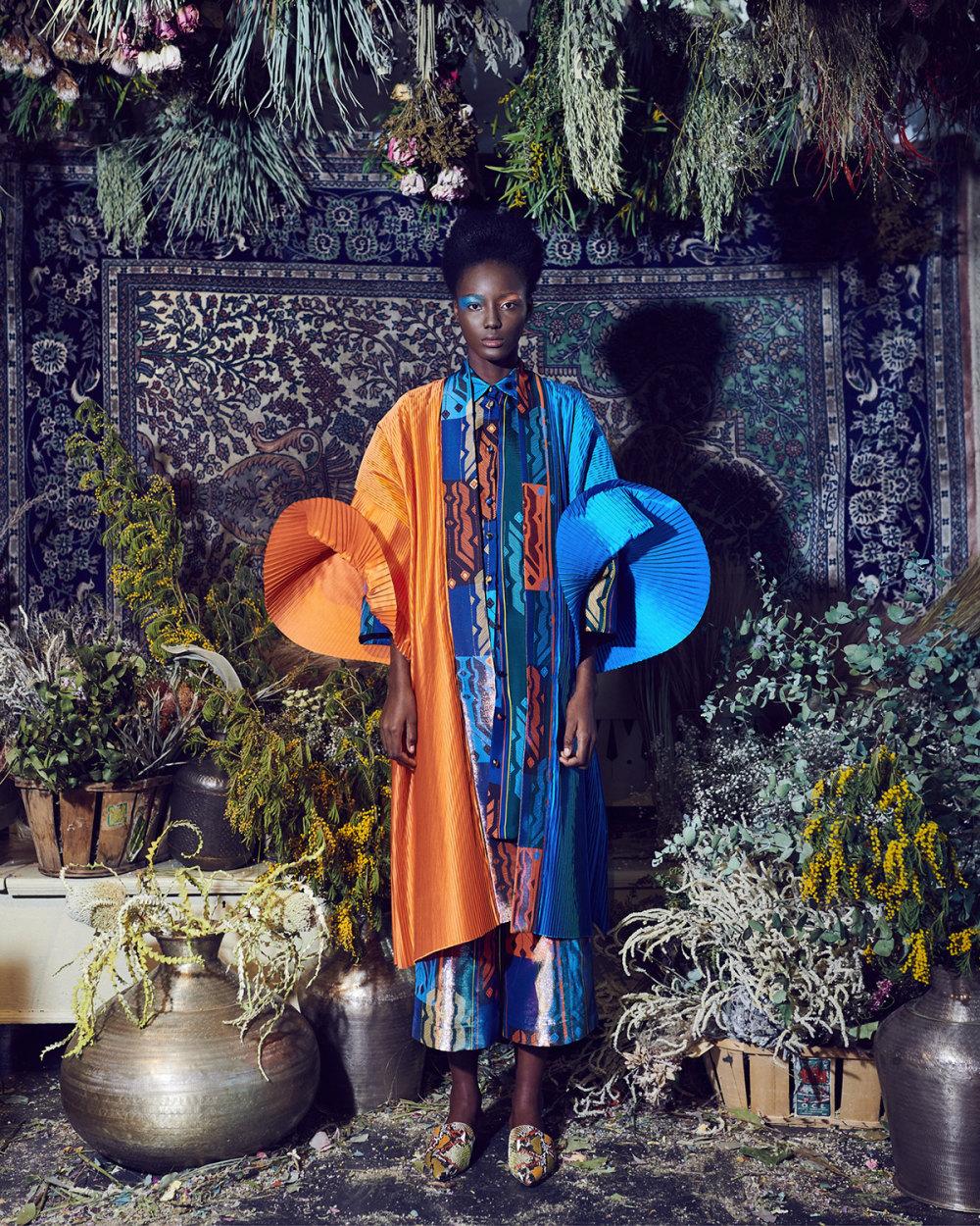 Rianna+Nina时装系列定制的夹克和金属光泽的七分裤定义未来主义-17.jpg