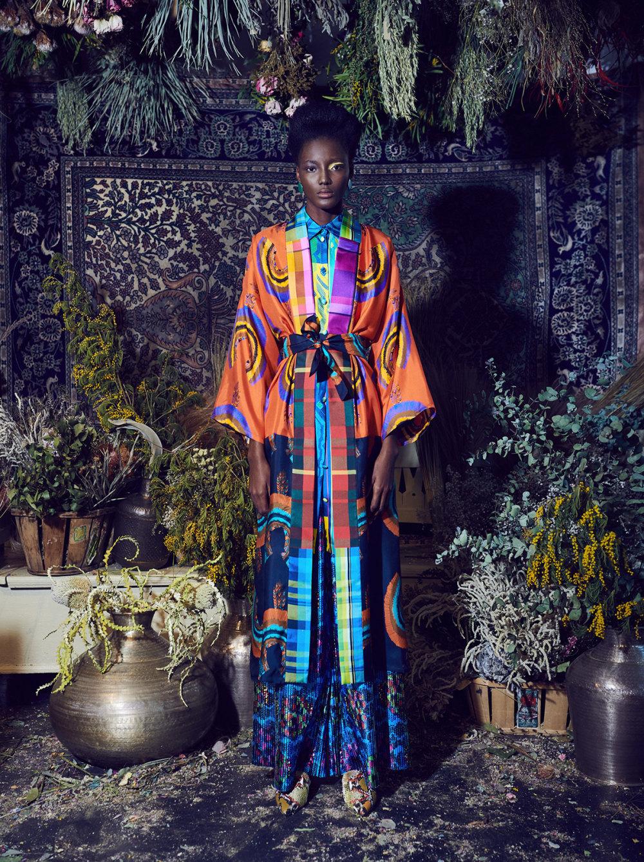 Rianna+Nina时装系列定制的夹克和金属光泽的七分裤定义未来主义-19.jpg