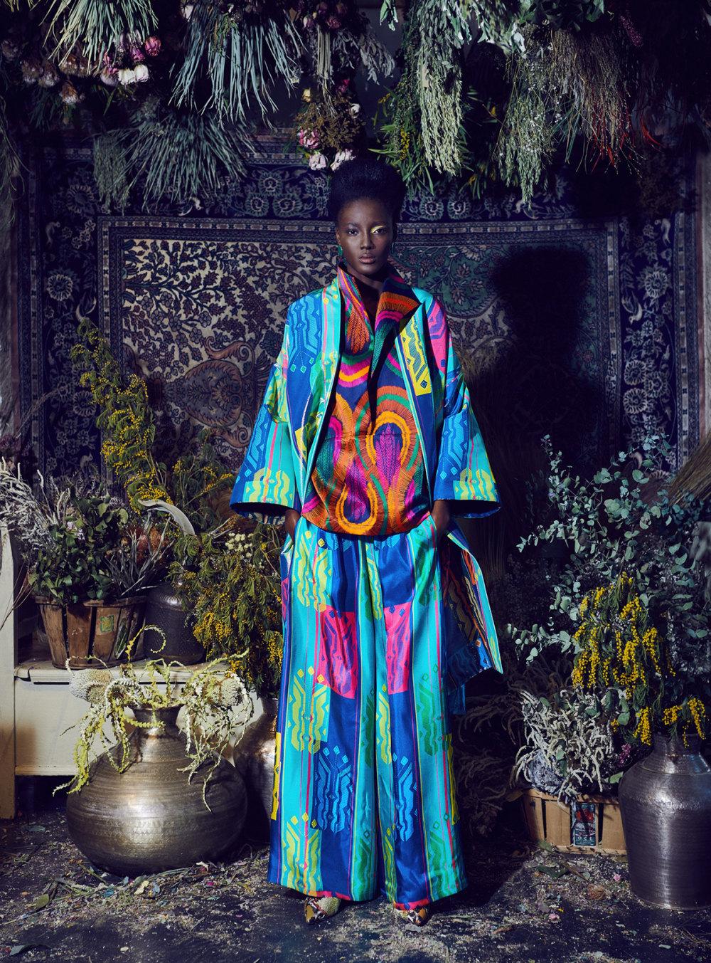 Rianna+Nina时装系列定制的夹克和金属光泽的七分裤定义未来主义-24.jpg