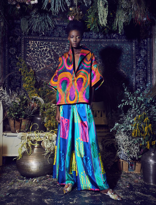 Rianna+Nina时装系列定制的夹克和金属光泽的七分裤定义未来主义-25.jpg