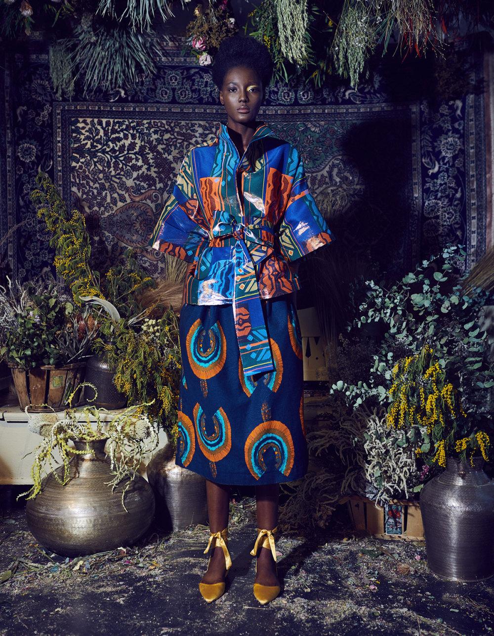 Rianna+Nina时装系列定制的夹克和金属光泽的七分裤定义未来主义-27.jpg