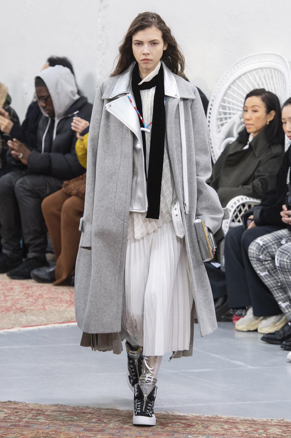 Sacai时装系列超大号黑色圆领毛衣和长款绿色北欧毛衣连衣裙-7.jpg