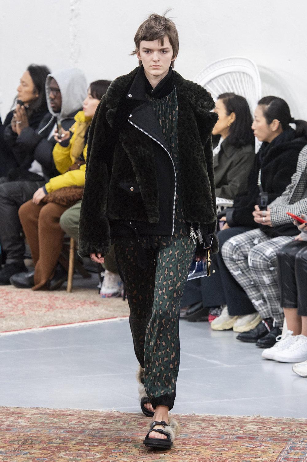 Sacai时装系列超大号黑色圆领毛衣和长款绿色北欧毛衣连衣裙-11.jpg