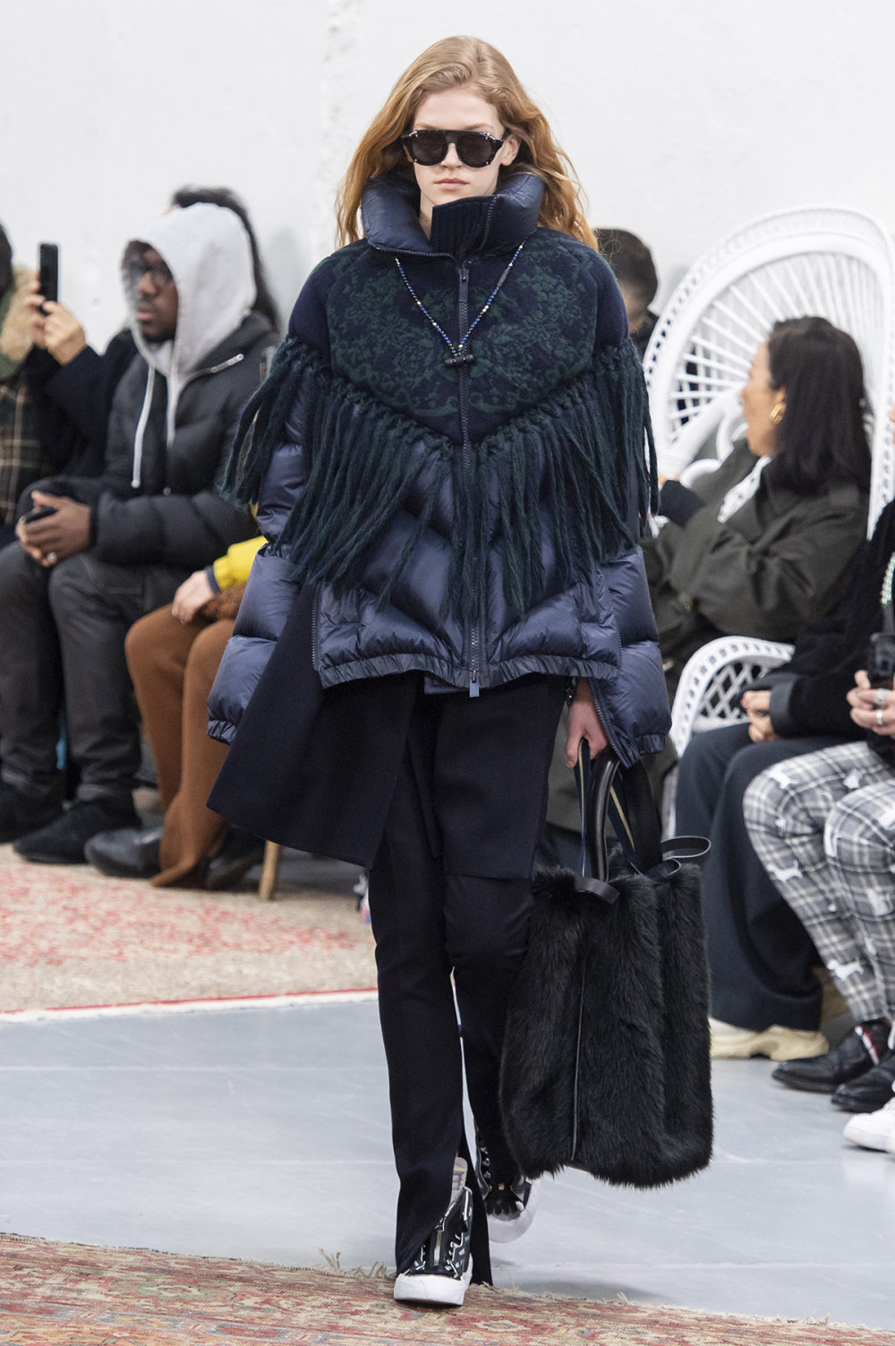 Sacai时装系列超大号黑色圆领毛衣和长款绿色北欧毛衣连衣裙-19.jpg