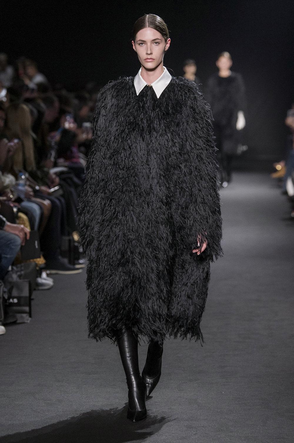 Rochas时装系列黑色无领斜纹软呢褶皱的黑色裙身饰有超细短袖衬衫-6.jpg