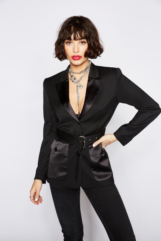 The Kooples时装系列强调外衣人造皮草外套和白色人造皮夹克-12.jpg