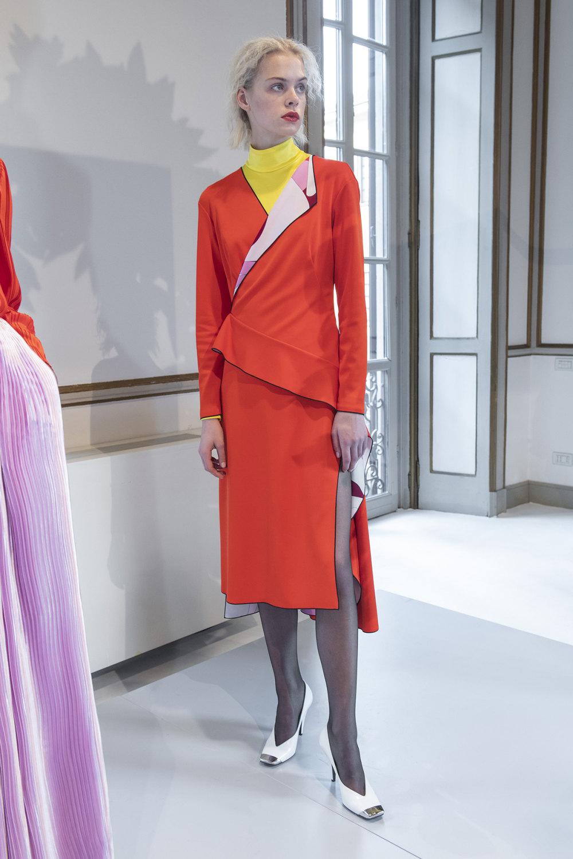 Emilio Pucci时装系列搭配运动裤以及六十年代流苏的条纹雪纺上衣-12.jpg