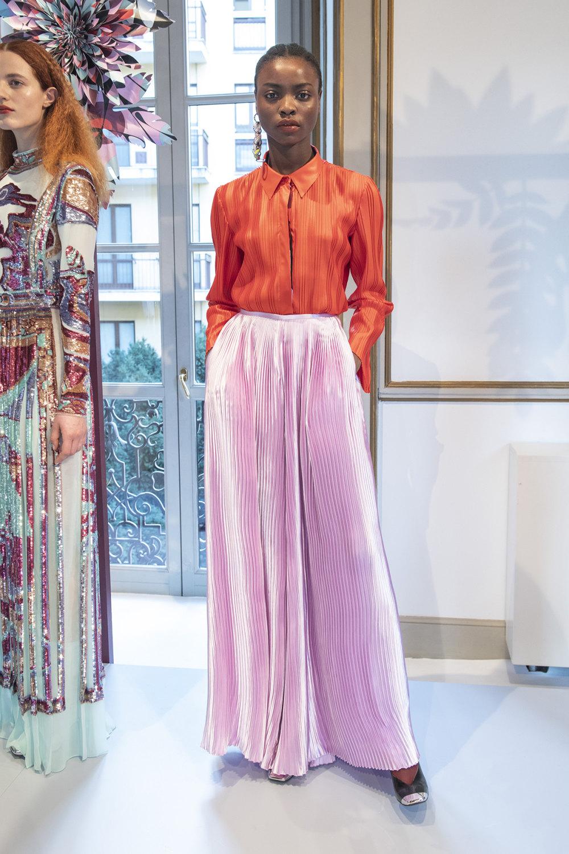 Emilio Pucci时装系列搭配运动裤以及六十年代流苏的条纹雪纺上衣-14.jpg
