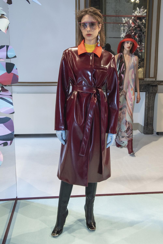 Emilio Pucci时装系列搭配运动裤以及六十年代流苏的条纹雪纺上衣-16.jpg