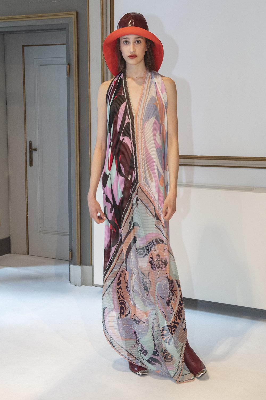 Emilio Pucci时装系列搭配运动裤以及六十年代流苏的条纹雪纺上衣-20.jpg