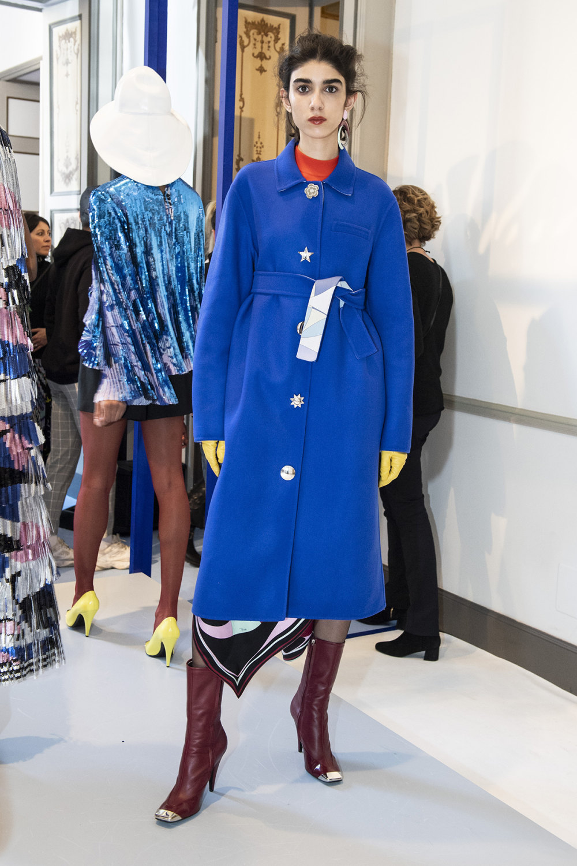Emilio Pucci时装系列搭配运动裤以及六十年代流苏的条纹雪纺上衣-24.jpg