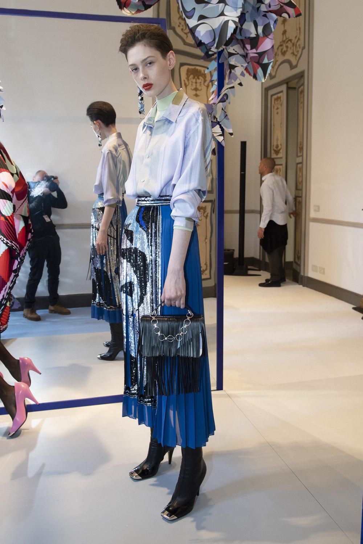 Emilio Pucci时装系列搭配运动裤以及六十年代流苏的条纹雪纺上衣-27.jpg