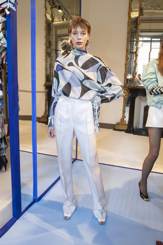Emilio Pucci时装系列搭配运动裤以及六十年代流苏的条纹雪纺上衣-29.jpg