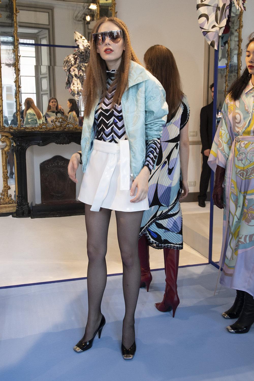 Emilio Pucci时装系列搭配运动裤以及六十年代流苏的条纹雪纺上衣-30.jpg