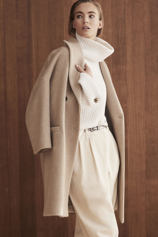Brunello Cucinelli时装系列质地模仿的皮草配有前卫的羊毛背心-1.jpg