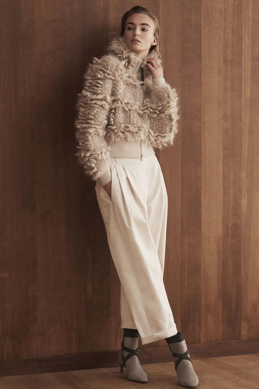 Brunello Cucinelli时装系列质地模仿的皮草配有前卫的羊毛背心-4.jpg