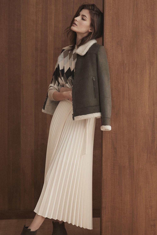 Brunello Cucinelli时装系列质地模仿的皮草配有前卫的羊毛背心-6.jpg