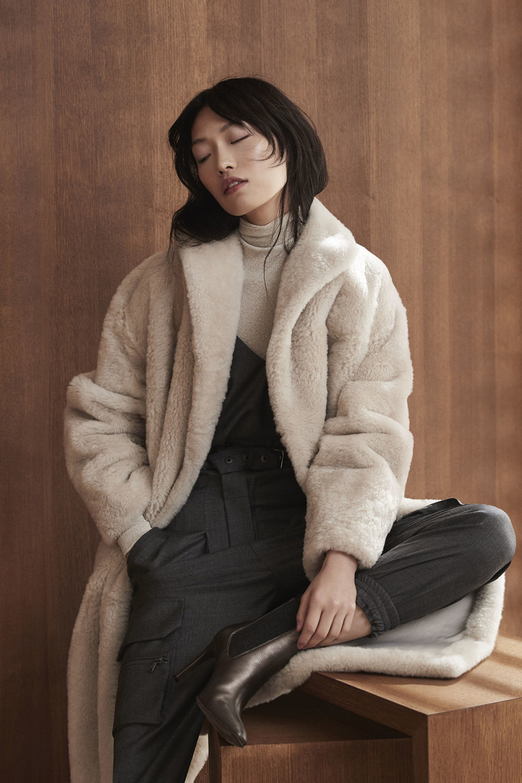 Brunello Cucinelli时装系列质地模仿的皮草配有前卫的羊毛背心-8.jpg