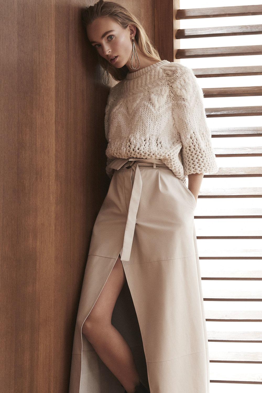 Brunello Cucinelli时装系列质地模仿的皮草配有前卫的羊毛背心-11.jpg
