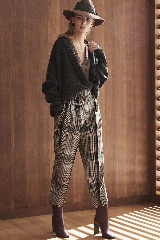 Brunello Cucinelli时装系列质地模仿的皮草配有前卫的羊毛背心-17.jpg