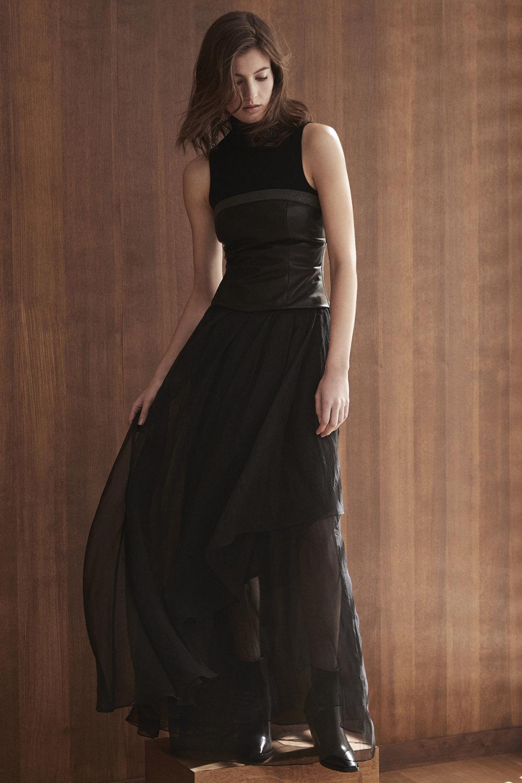 Brunello Cucinelli时装系列质地模仿的皮草配有前卫的羊毛背心-24.jpg